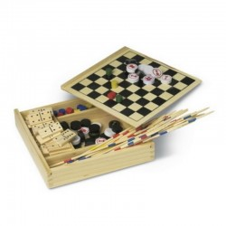 Set of 5 games in a wooden box